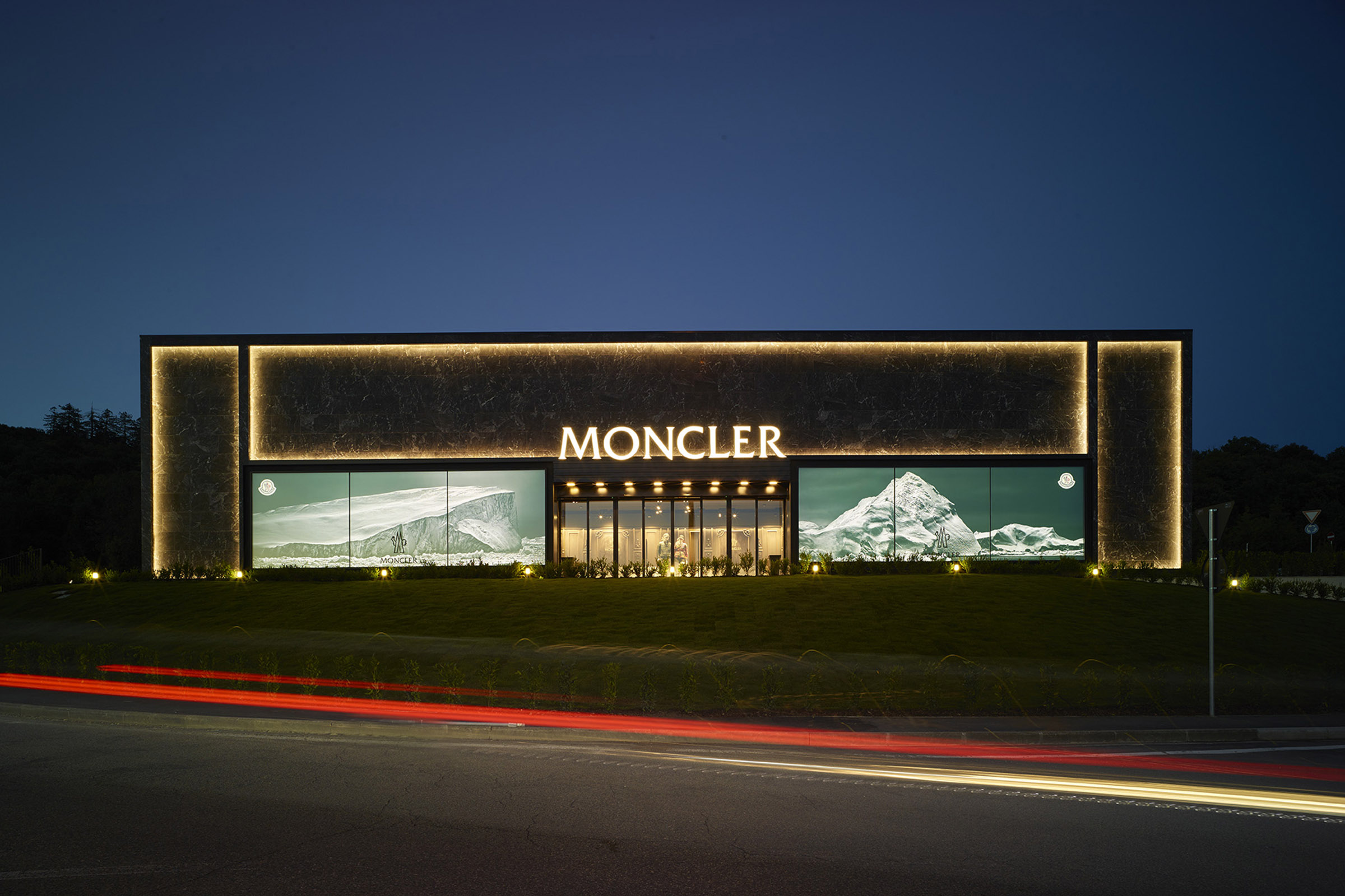 moncler the mall